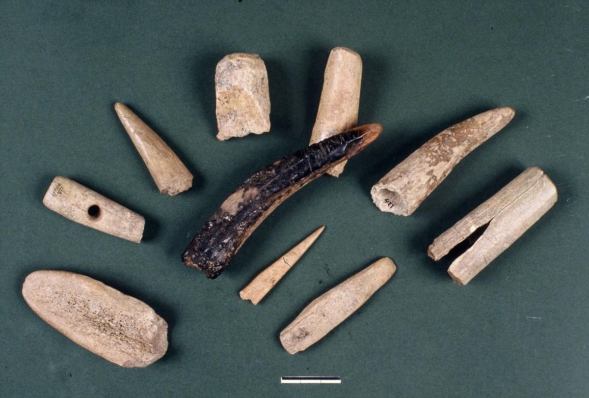 Fig. 30. Various tools made of deer antlers.