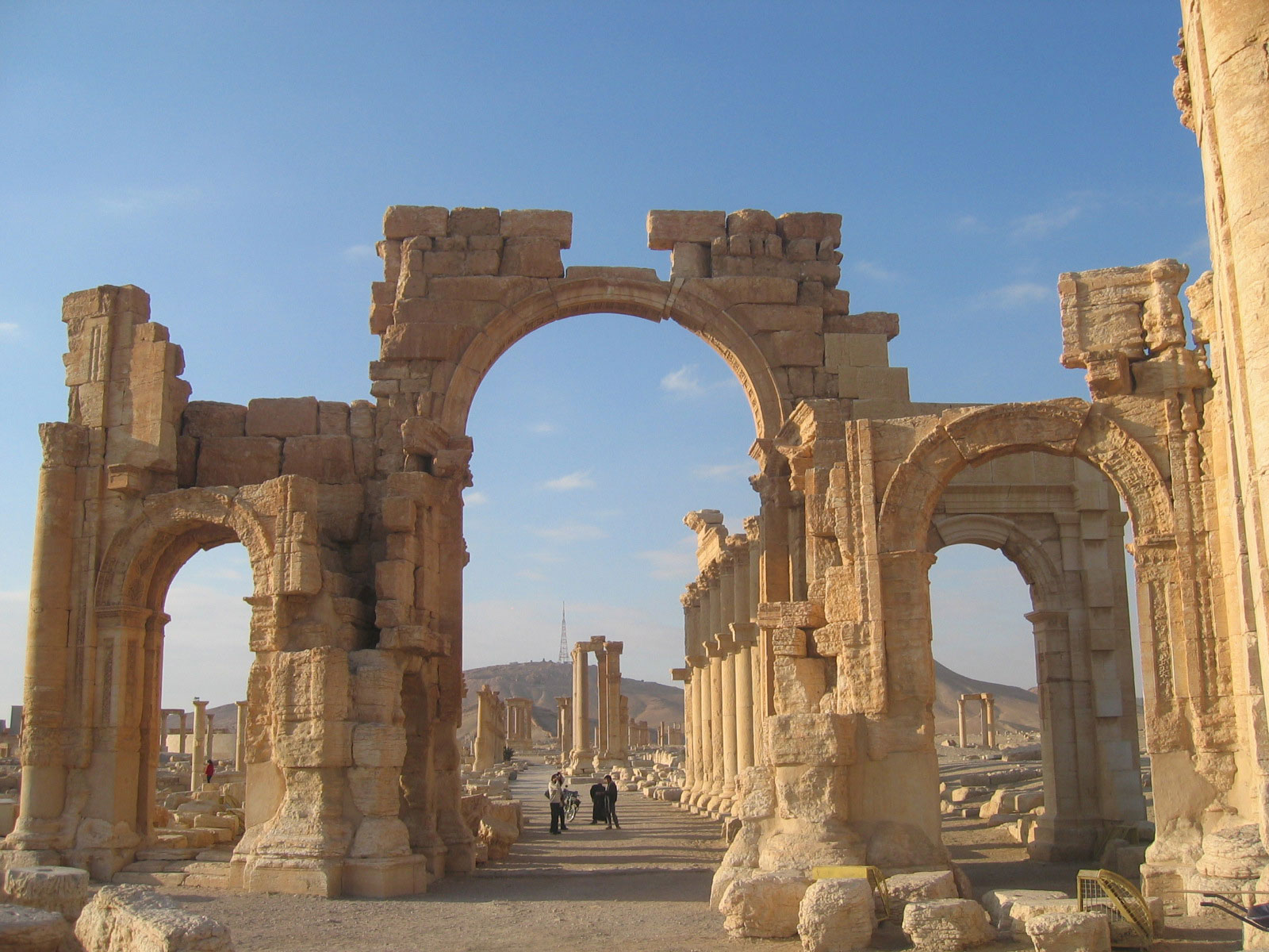 palmyra�s arch of triumph blown up by is