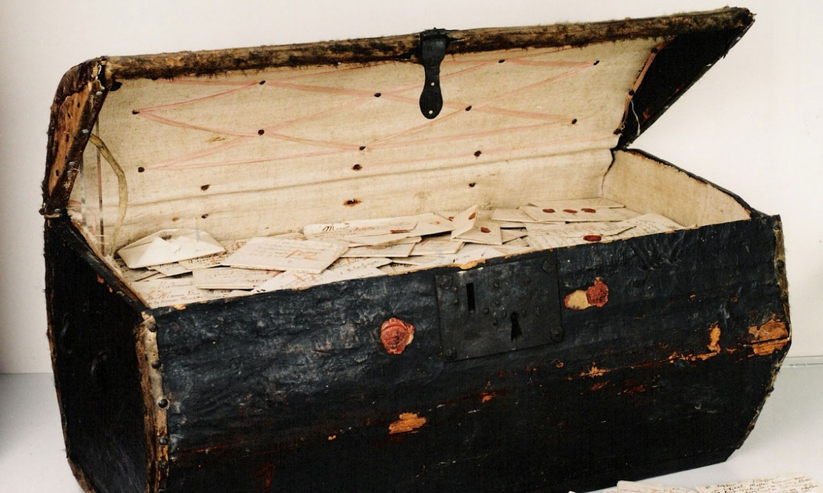 The trunk in which the letters were kept Photo Credit: Hague Museum for Communication.