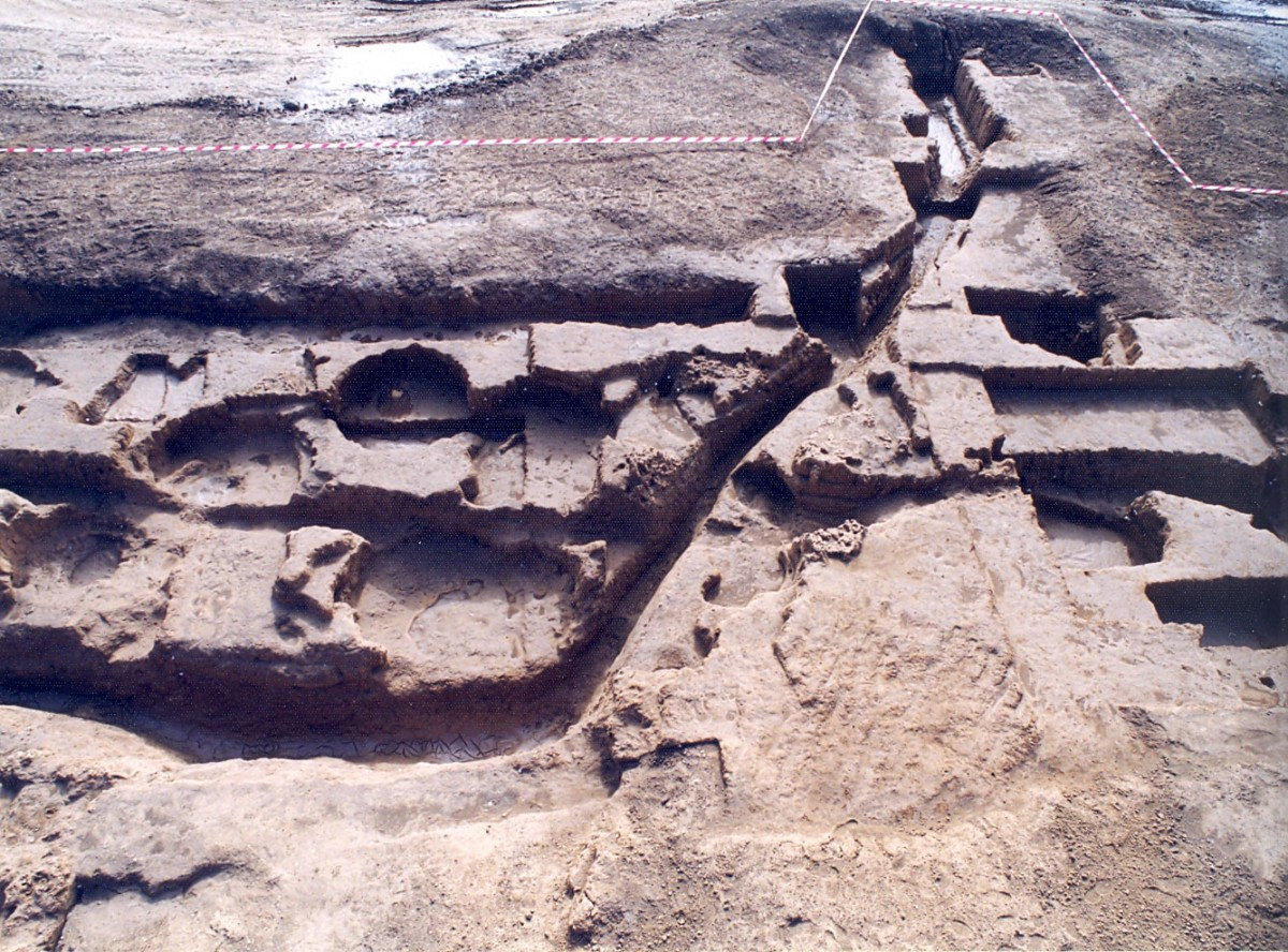 Fig. 2. Trenches and pits on the North Eastern limits of the Neolithic settlement of Toumba Kremastis Koiladas.