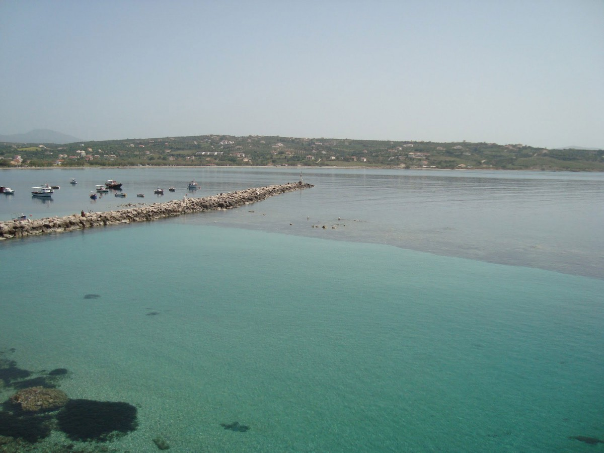 View of the (enclosed nowadays) ancient harbour  of Methoni and the harbour's submerged breakwater. Photo Credit: GE.N.ESIS project.