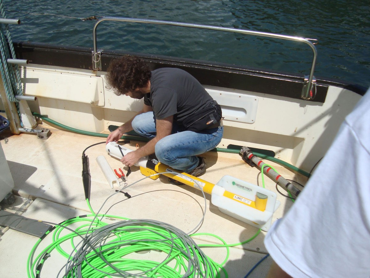 Magnetometer setup afloat, during the sea trials. Photo Credit: GE.N.ESIS project.