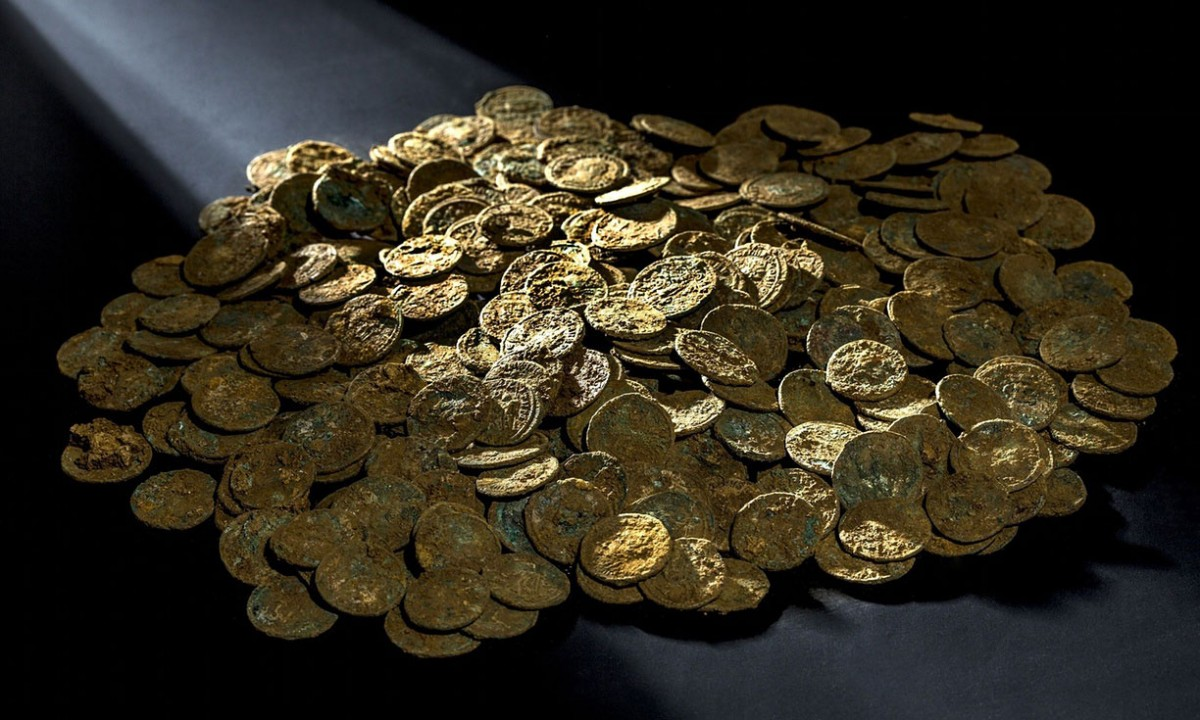 THe coins are in excellent condition and the imprint completely legible. Photo Credit: AFP/Kantonsarchaeologie Aargau .