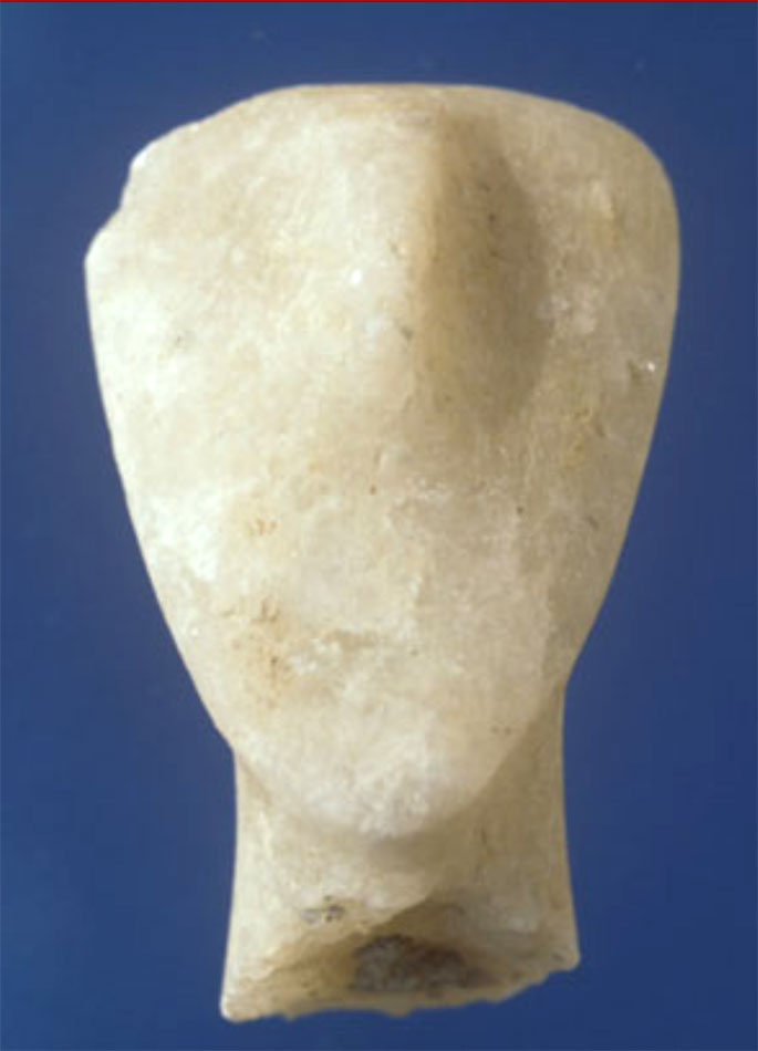 Miletus II. Head of an Early Cycladic II marble figurine of Dokathismata type (by W.-D. Niemeier).