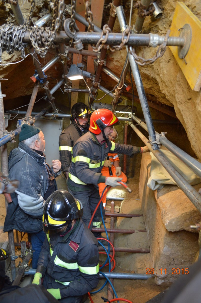 The last sarcophagus removed from the tomb was so big and hard to extract that archaeologists needed the assistance of the fire brigade. Photo Credit: Superintendency of Archaeology of Umbria.