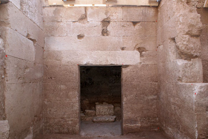 A Macedonian tomb with four chambers came to light within the modern settlement of Pella.