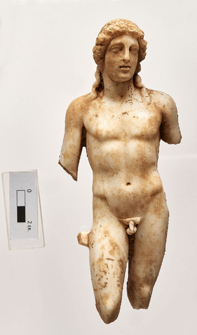 Marble statue depicting Apollo. It was found at the archaeological site of Ancient Aptera. (Photo credit: Ministry of Culture and Sports)