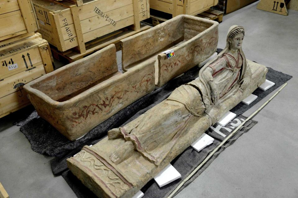 An Etruscan sarcophagus is among stolen ancient artworks that Switzerland has  returned to Italy (Geneva prosecutor's office)