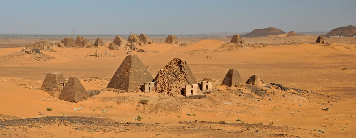 Fig. 1. Pyramids at the Meroe royal cemetery (V. Francigny).