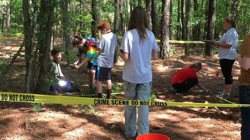 Photo from a 2015 CSI Camp co-hosted by the American Academy of Forensic Sciences, NC State University, and the Montessori School of Raleigh. Credit: Ann Ross.