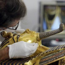 Eight face trial over King Tut's knocked off and reattached beard