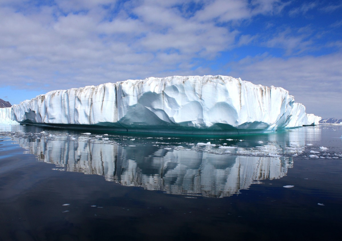 Along Greenland's periphery, many glaciers are rapidly thinning. (Photo credit: Wikipedia Commons)