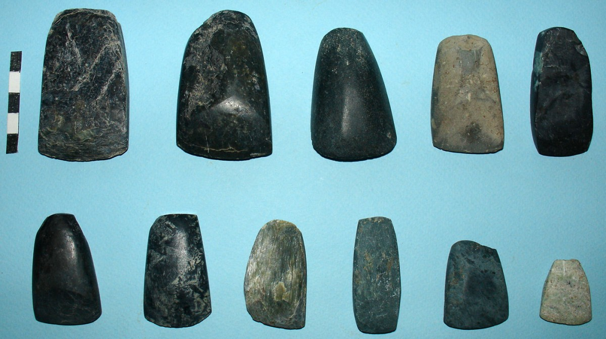 Fig. 7. Stone pickaxes and chisels from pits.