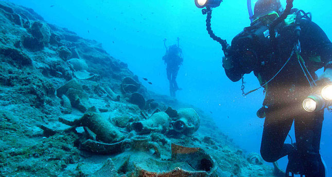 Scientists have discovered a 4,000 year-old shipwreck off the Turkish coast, probably of the Minoan Civilisation. Photo Credit: Daily Sabah.