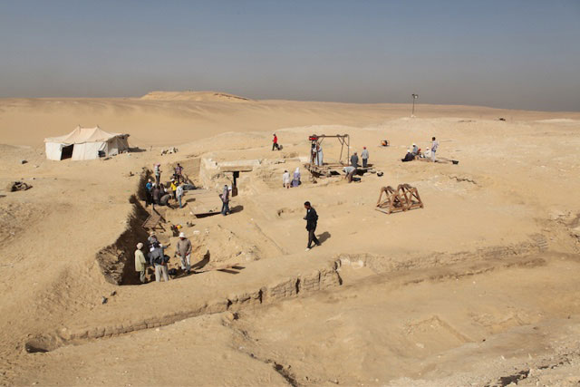 The newly discovered boat pit. Photo Credit: Luxor Times.