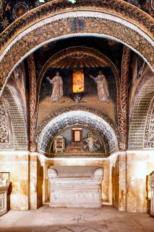 Fig. 9. Mausoleum of Galla Placidia (Ravenna) – Interior, Ravenna 1978 079. Licensed under CC BY-SA 3.0 via Wikimedia Commons.