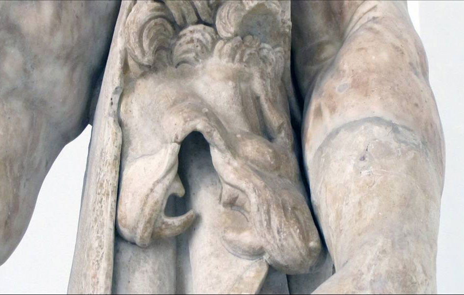 Fig. 13. The Farnese Hercules, Naples, The National Archaeological Museum, detail (photo of the author).