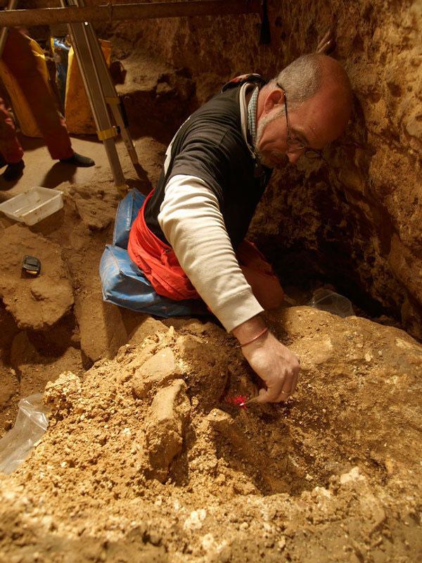 Excavation works at the cave site Sima de los Huesos. © Javier Trueba, Madrid Scientific Films.