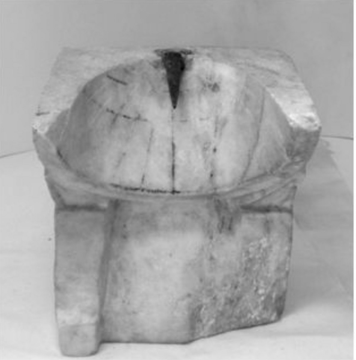Fig. 2. Conical sundial in the Archaeological Museum of Piraeus (index number ΜΠ 1131). (Source: Panou 2016: 246).