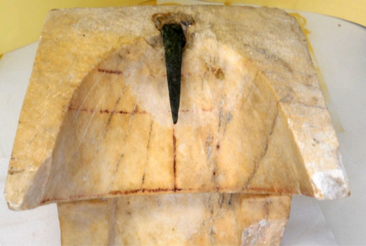 Fig. 3. Aspect of existing gnomon of the conical sundial in the Archaeological Museum of Piraeus (index number ΜΠ 1131). (Source: Panou 2016: 247).