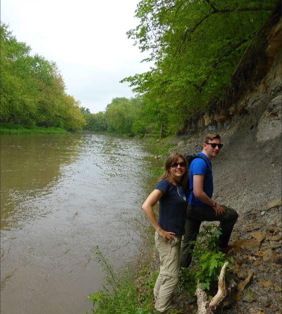 Thomas Clements and Professor Sarah Gabbott searching for the 'Tully Monster' in Illinois, USA.