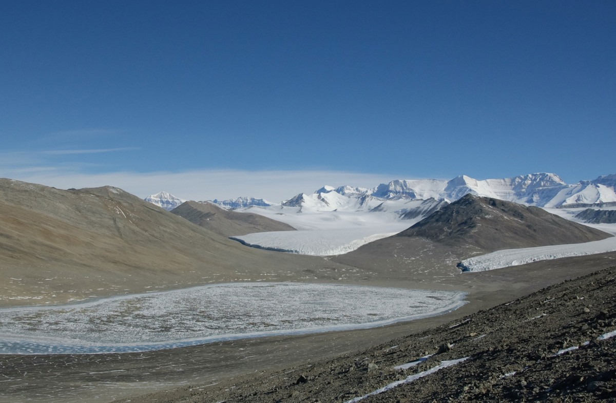 The research is based on examination of the levels of dissolved black carbon (DBC) that persist in freshwater and saline lakes in the McMurdo Dry Valleys.