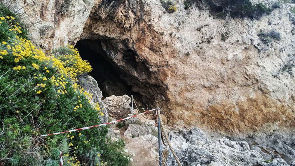 The cave where the bones were found. Photo Credit: Repubblica/the Archaeology News Network.
