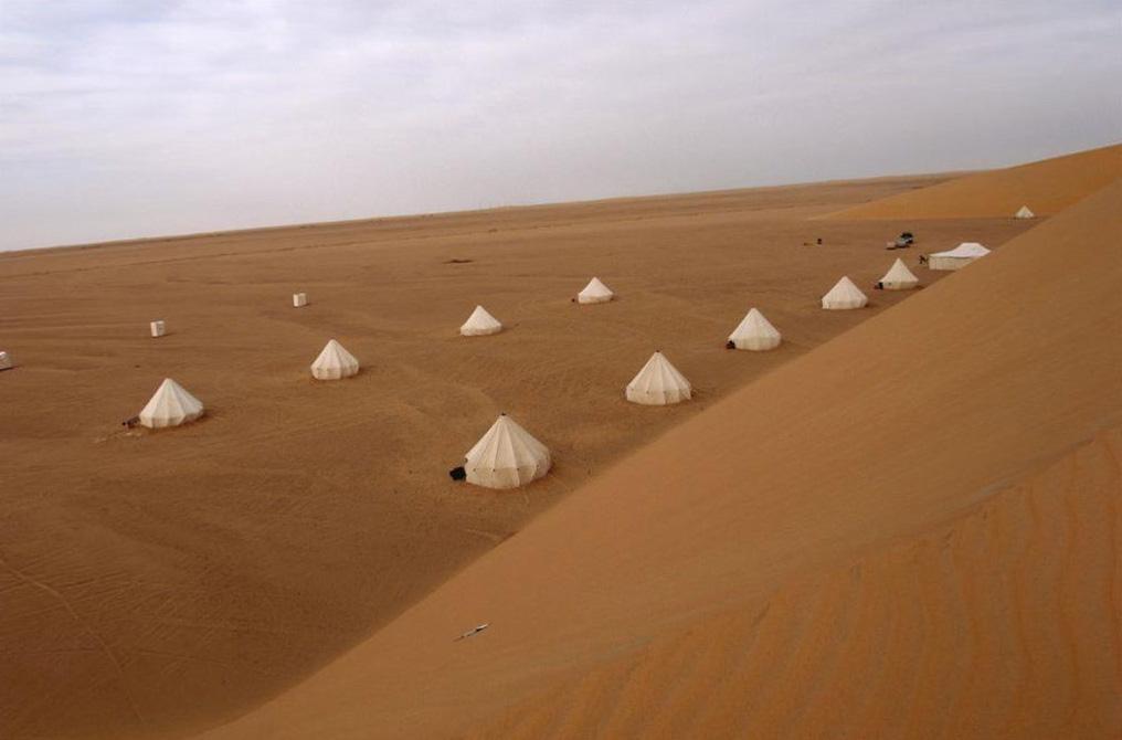 Desert camp near Gebel Ramlah. Photo by J. Kabaciński