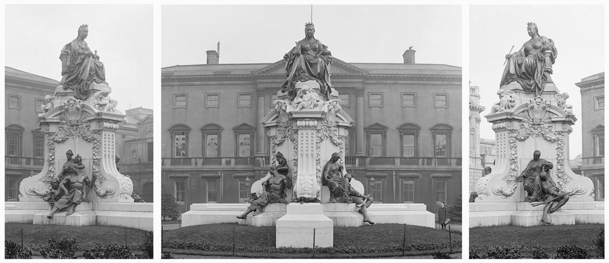 Public sculpture that illustrates a colonial regime