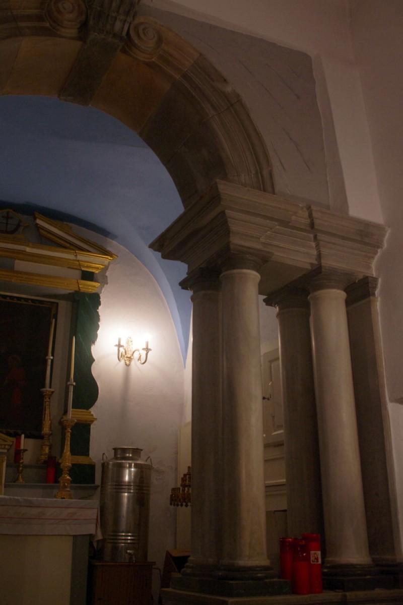 Fig. 6. Tinos Chora, monastery of Agios Antonios, chapel, overall view (photograph: Ioannis Laskos).