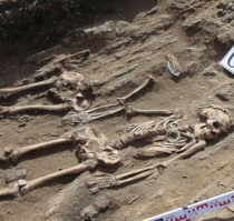 Bronze Age couple buried holding hands