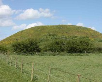 Archaeologists in Yorkshire discover oldest Iron Age mound