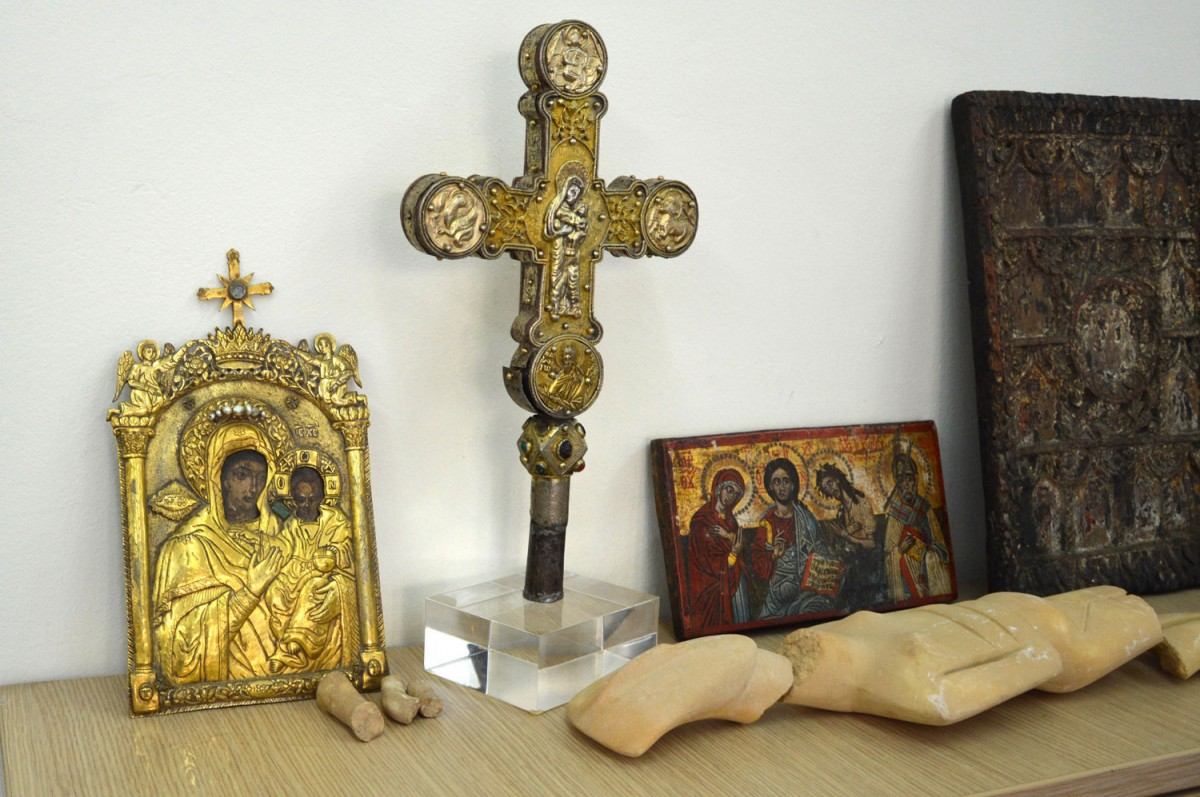 Objects recovered by the  police in Greece.