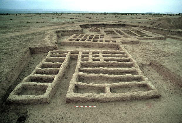 Photograph of the MR2 archaeological site at Mehrgarh occupied from 4 500 to 3 600 BC, where the amulet was found. Credit: C. Jarrige, Mission archéologique de l'Indus.