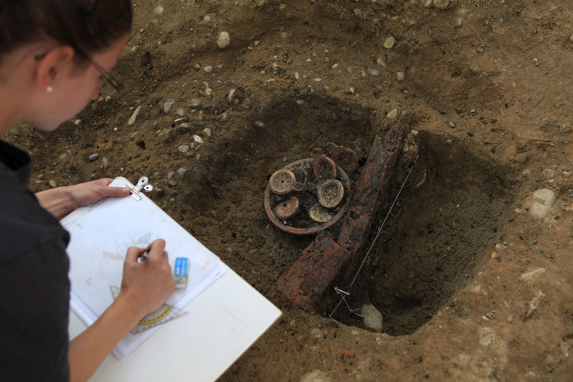In situ documentation of the pot. Credit: Aargau Canton Archaeology Department.