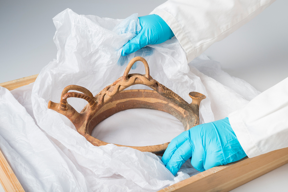A Conservator of the Department of Antiquities supervised the packing of the antiquity in London and escorted it to Cyprus on 16 November 2016.