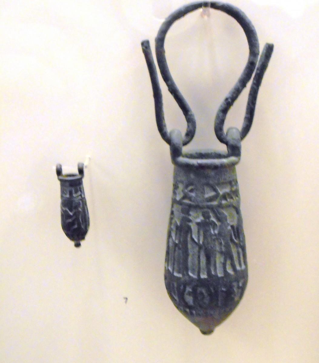 Votive bronze vessels