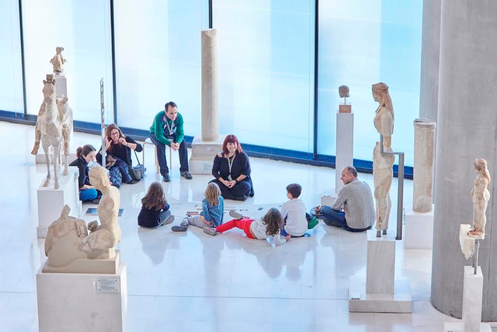 Christmas workshop for children in the Acropolis Museum.