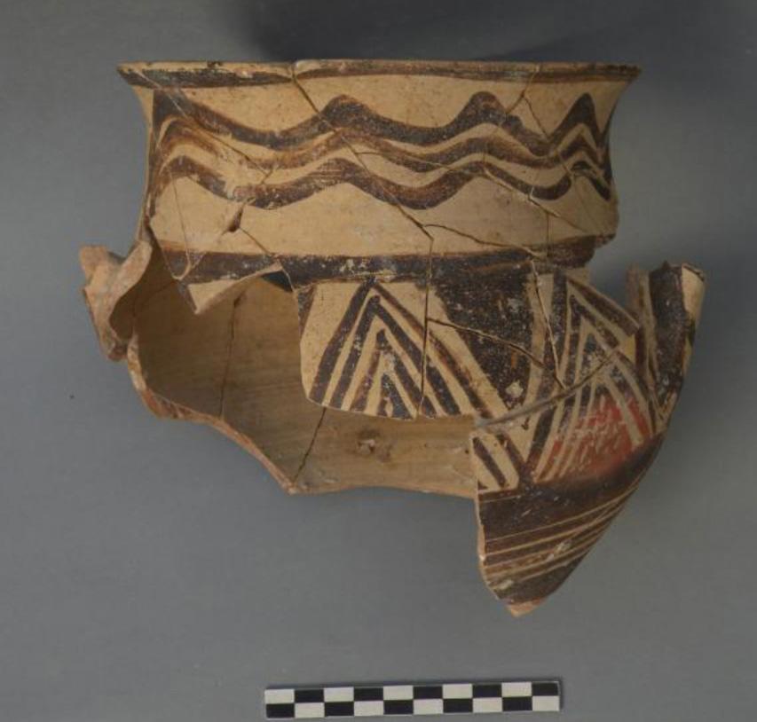 Kition-Bamboula: Fragmentary amphoriskos of Proto-White Painted ware.