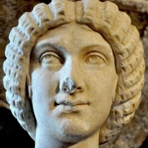 Marble head stolen from Italy returned by the Dutch