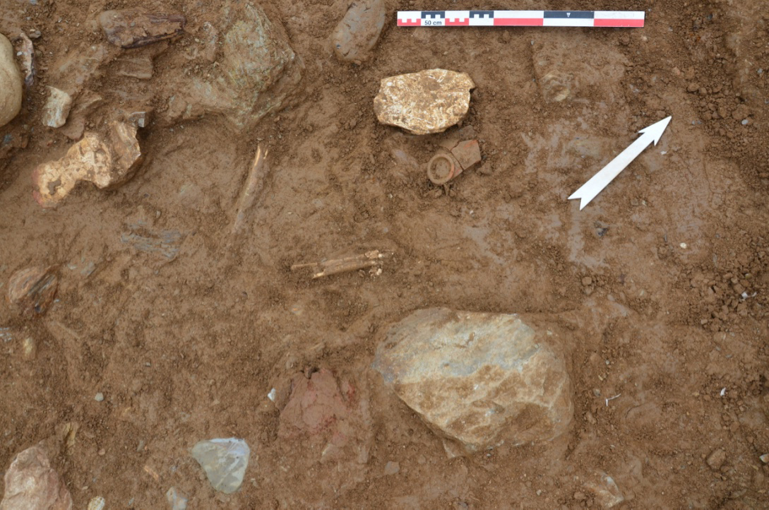 Tomb IV (?) from SE (Photo: A. Mazarakis Ainian)