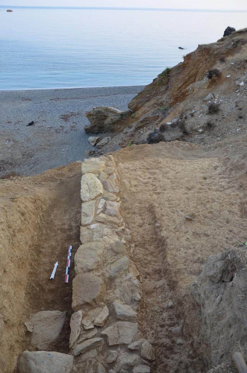 Retaining wall Δ5, from S (Photo: A. Mazarakis Ainian)