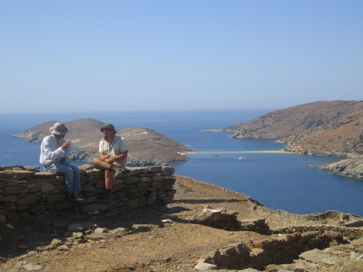 A break while excavating in Kythnos, 2005 (photo: Christina Mitsopoulou).