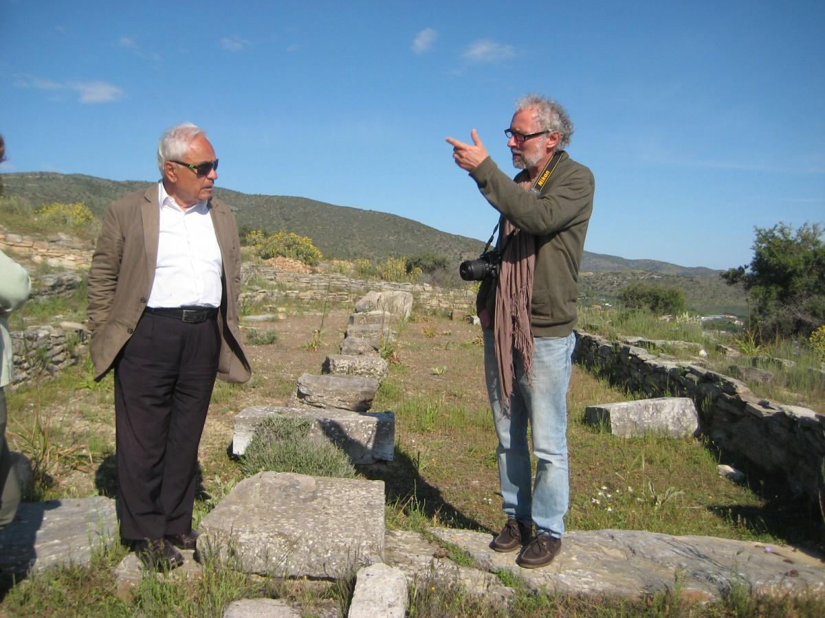 May Day 2014. Alexandros Mazarakis Ainian takes Petros Themelis on a guided tour of the sanctuary of Apollo at Soro (photo: Leonidas Hadjiangelakis).
