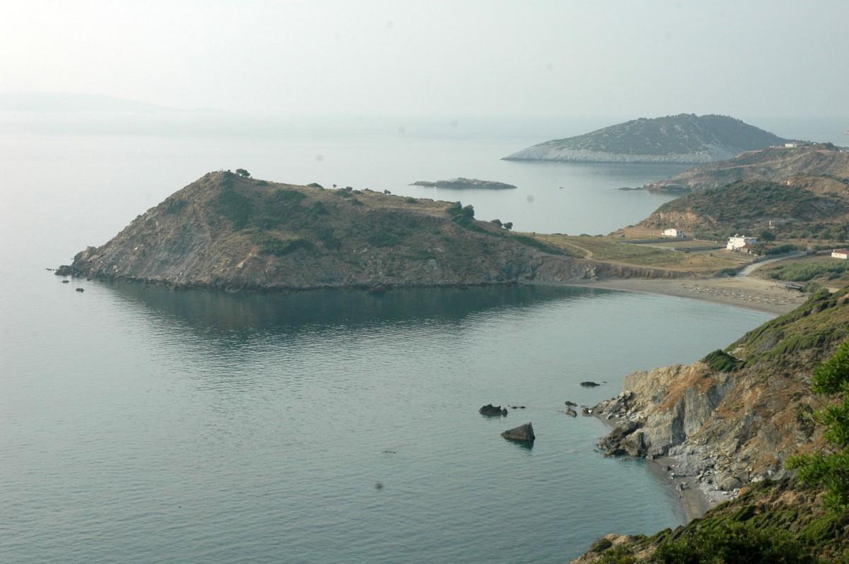 Skiathos. View of the Kefala peninsular in the Xanemos haven, 2009 (photo: Alexandros Mazarakis Ainian).