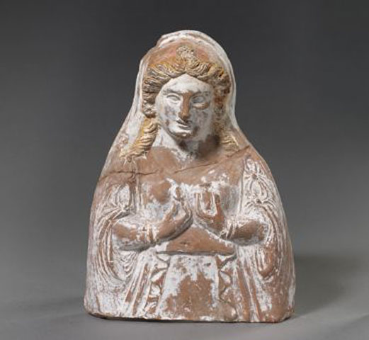 Female bust. End of 4th-beginning of 3rd c. BC. Archaeological Museum of Thessaloniki.