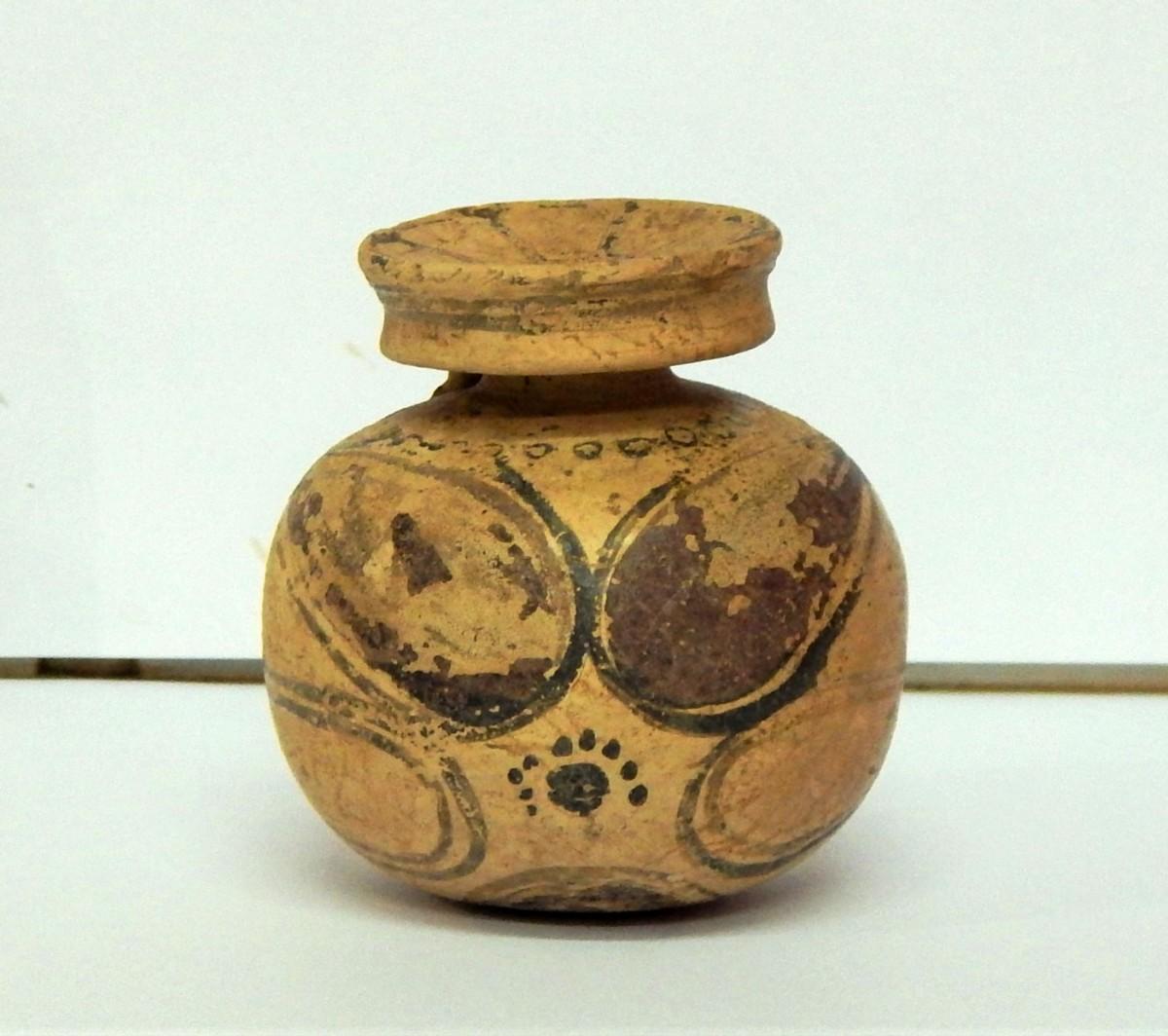 Corinthian aryballos. Photo credit: Ephorate of Antiquities of Florina.