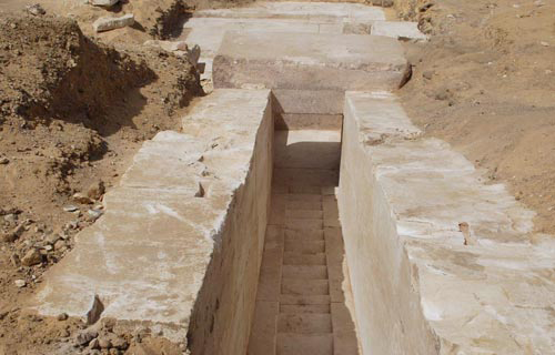The newly discovered pyramid remains in Dahshour.