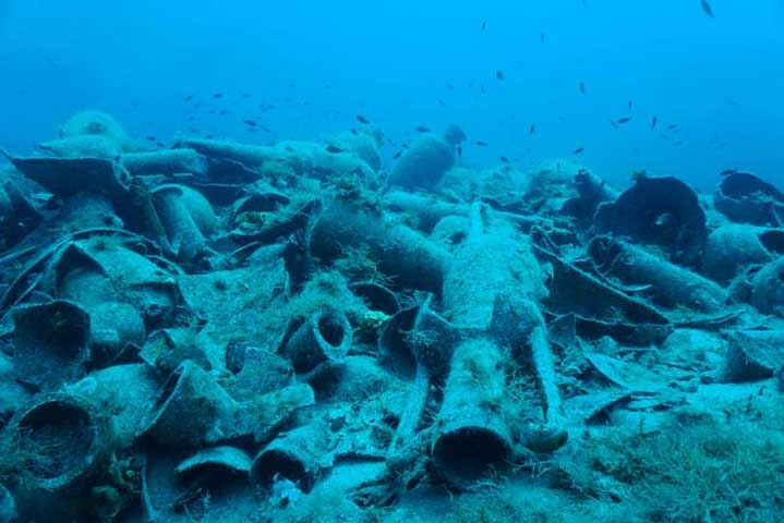 Findings at the shipwreck of Fournoi, Delos. (Photo: Ministry of Culture and Sports)