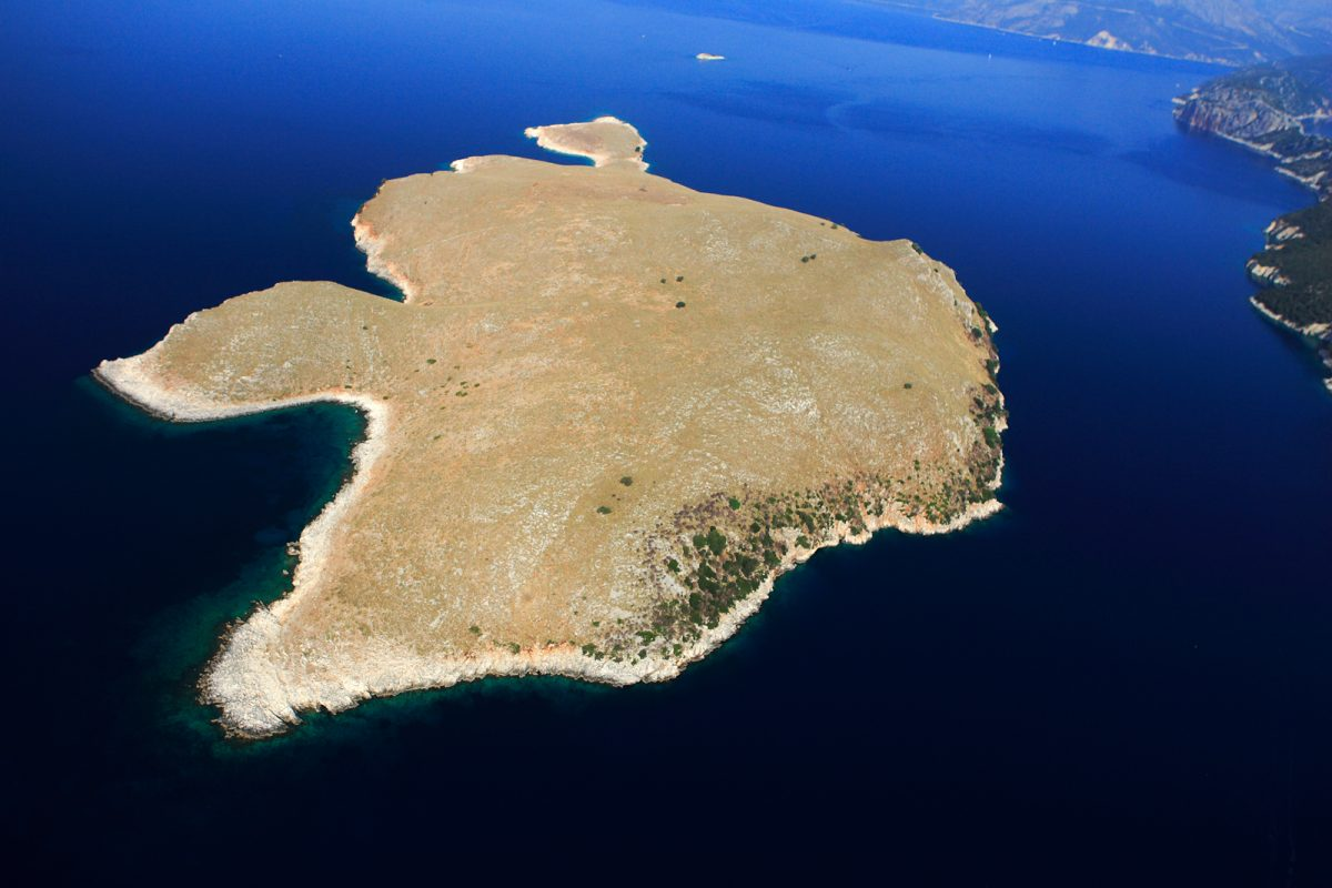Fig. 12. Aerial photography of Kythros (photo courtesy of V. Malakasi).